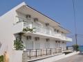 vila-dimitris-eleni-polihrono-smestaj-apartmani-sobe-polihrono-halkidiki (1)